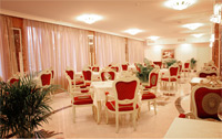 Restaurant & Bars in Visak Hotel